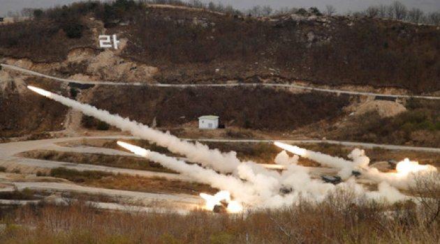 Son dakika... Kuzey Kore sınırında füzeler ateşlendi, bombalar patladı!