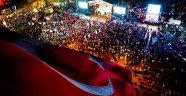 15 Temmuz'da tiyatro, mehteran gösterisi büyük beğeni topladı