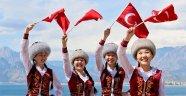 15 ülkeden 350 çocuk Antalya'ya geliyor