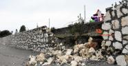 Demre'de dev dalgalar sahildeki istinat duvarını yıktı