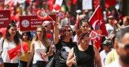 Antalyalılar, çocuklar için yürüdü