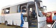 Midibüs ile otomobil çarpıştı: 21 yaralı