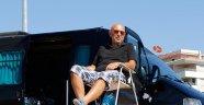 Uzaklaştırma cezası alan emekli asker, karavanda yaşıyor