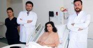 Ağız içinden tiroid ameliyatıyla sağlığına kavuştu