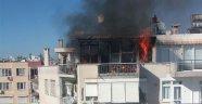 Antalya'da korkutan yangın: Mahalleli sokağa döküldü