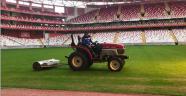 Antalya Stadı'nın zeminine bakım yapıldı