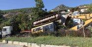Antalya'da freni boşalan tır, faciaya yol açıyordu