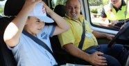 Antalya'da 'Hatalı sürücüye kırmızı düdük' uygulaması