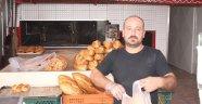 Antalyalı market, ekmekte yüzde 50 indirim yaptı, müşterilerin akınına uğradı