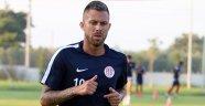 Antalyaspor'da Menez beklenenden uzak kaldı