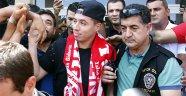 Antalyaspor'dan Nasri'ye coşkulu karşılama