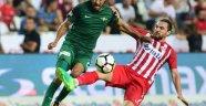 Antalyaspor'da Zeki Yıldırım sahalardan 1.5 ay uzak kalacak