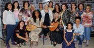 'Aşık' kadınlardan mini konser