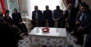 Bakan Kaya, şehit evini ziyaret etti