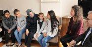 Bakan Kaya'dan 'çocukların ödüllerini geciktirmeyin' uyarısı