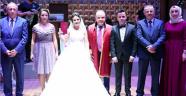 Çiçeği yakaladığı salonda ve tarihte evlendi
