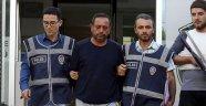 Cinnet getirip karısı ve kızını öldüren baba tutuklandı