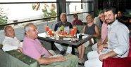 Deniz Baykal kafe açtı