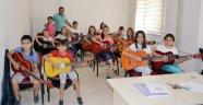 Gitar ve bağlama kursuna ilgi