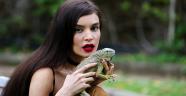 İranlı mankenin iguana aşkı