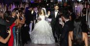 İş ve cemiyet hayatını buluşturan düğün