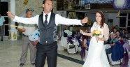 İsviçre'de tanışıp Serik'te evlendiler