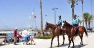 Manavgat'ta atlı jandarma timi görev başında