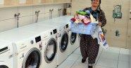 Muratpaşa'nın halk çamaşırhaneleri büyük ilgi görüyor