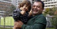 Oğlunu hayatta tutabilmek için önce 20 kilo sonra karaciğerini verdi