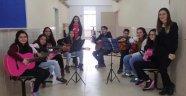 Öğrencilerden Mehmetçik için sergi