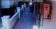 Polisin evinden battaniyeli çelik kasa hırsızlığı