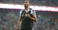 Premier Lig'in köklü takımı Cenk için İstanbul'da!