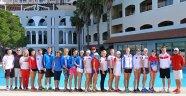 Rus tenisçiler kampta