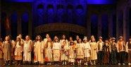 Sanat sezonunun ilk operası 'Carmen'