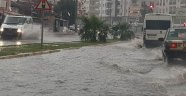Şiddetli yağmur devam edecek: Sel ve hortum uyarısı! | Antalya hava durumu