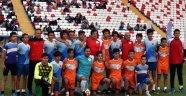 Türk futbolunun efsaneleri gençlerle aynı sahada
