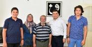 Tütüncü'den vefa ziyareti: Öğretmenleriyle hasret giderdi