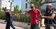 Uyuşturucu parası temini için Suriyelileri gasbetmişler