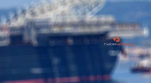 Tonlarca patlayıcı madde taşıyan gemi Girit'te durduruldu