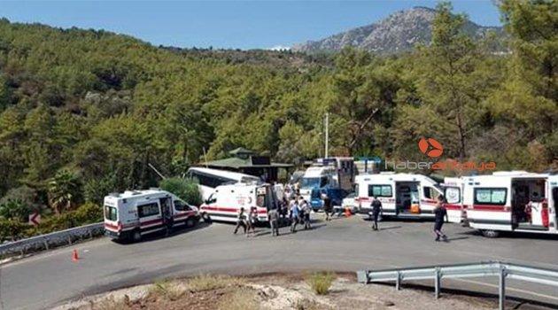 Tur otobüsü yan yattı, yaralılar var